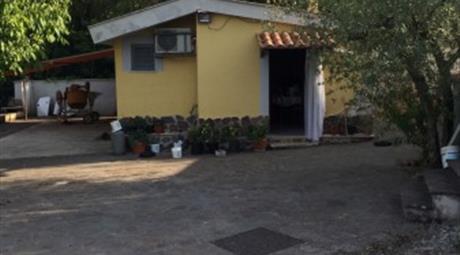 Villa via Empolitana, Pisoniano