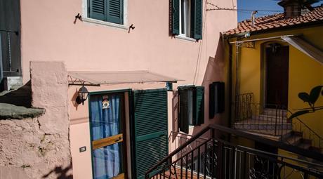 Casa semi indipendente in vendita in via San Nicolo', 105.000 €