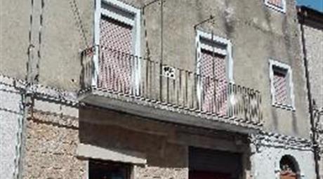 Casa indipendente in via Roma a Calascibetta
