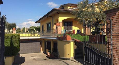 Villa via Macerata 33, Albano Laziale