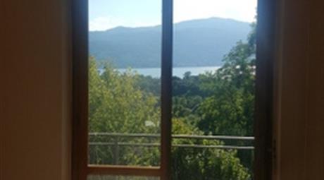 Villa vista lago lake view villa laveno mombello 299.000 €