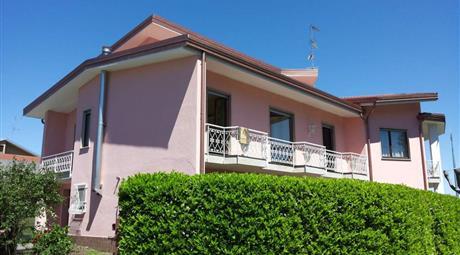 Villa unifamiliare via Monte Pasubio 19, Arona