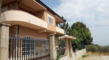 Villa Autonoma 300 Mq