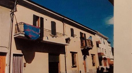 Edificio in Vendita a Sinalunga
