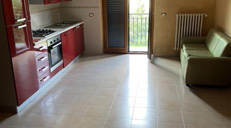 Appartamento (con cucina), sottotetto e garage