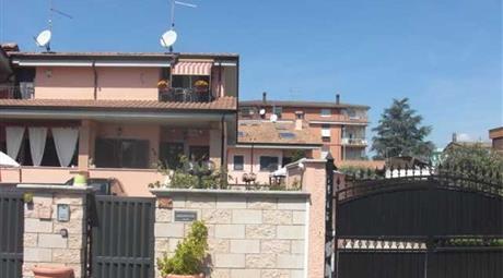 Villetta A Schiera in vendita via donato bartolomeo, Roma