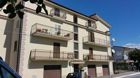 Appartamento in palazzo residenziale a 500 metri dal mare