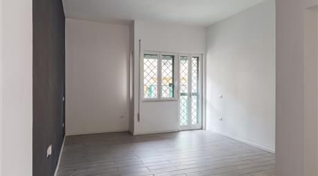 Appartamento luminoso e ristrutturato | La Loggetta