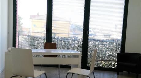 Ambulatorio o Ufficio in Paese a Riccione
