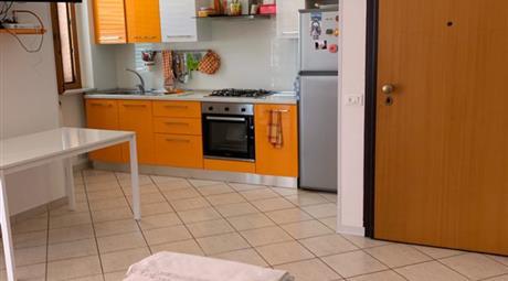Appartamento ammobiliato con garage