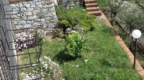 Porzione di villa a Castiglione Chiavarese