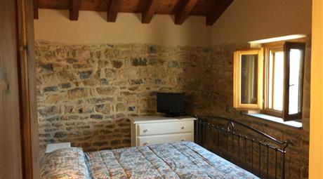 Villa in sasso nel Comune di Fivizzano (MS)
