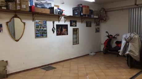 AFFITTASI Box / Garage via Achille Barilatti 5, Macerata