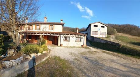 Casale/cascina in vendita in via Brazzolaro,Nanto (VI) 430.000 €