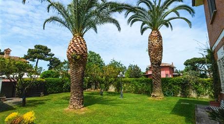 Porzione Villa - piano terra, unico livello, dependance, 350 metri giardino