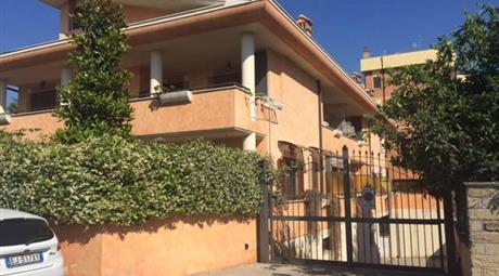 Casa di paese in vendita in via Venezia, 4, Ciampino