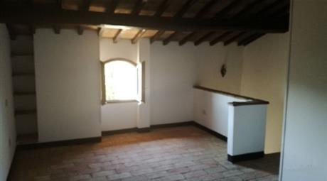 Trilocale in vendita in frazione Ripaioli, 50.000 €