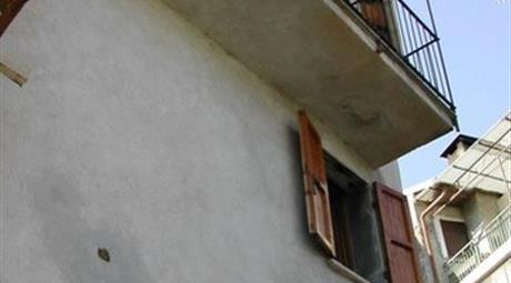 Casa Indipendente in Vendita in Via Barbei 36 a Pornassio