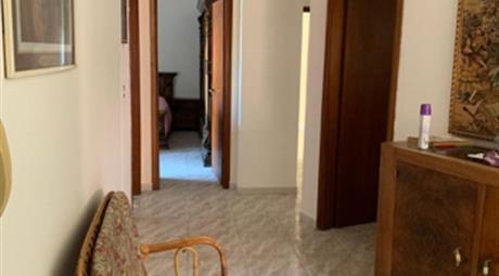 Si vende centralissimo appartamento a Palmi 140000€