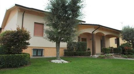 Villa di 380 mq