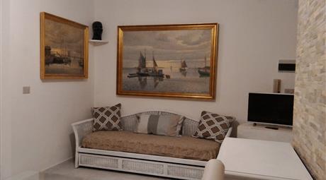 Alghero, centrale appartamento a 200 m dal mare con pluri parcheggio privato.