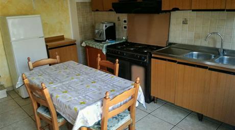 APPARTAMENTO cucina due stanze da letto ideale per Coppia,Famiglia con 1 figlio  o Studenti universitario