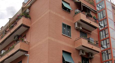 Attico 150mq a 150m da Metro Gardenie - Palazzo in cortina recente costruzione