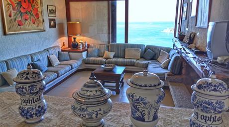 Villa con vista mozzafiato sul golfo di Cagliari