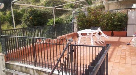 Trilocale via Consolare Pompea 963, Messina