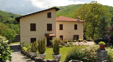 Villa in Vendita in zona Gorfigliano a Minucciano