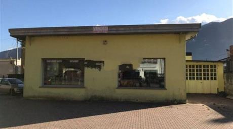 Capannone in Vendita in Via Valeriana 83 a Dubino