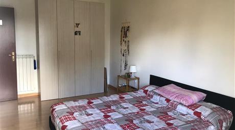 Ampia stanza con balcone zona torrevecchia (possibilità di bagno privato!!!)