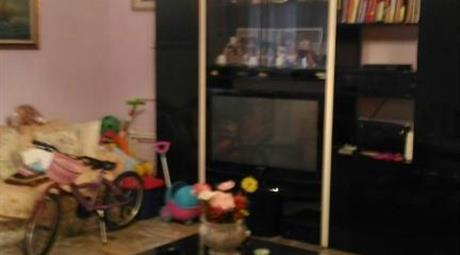 Vendesi appartamento ampi 3locali+servizi e cantina