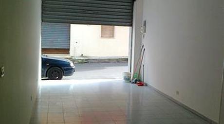 Garage in vendita a via Schifonio
