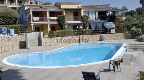 Villetta a schiera con piscina