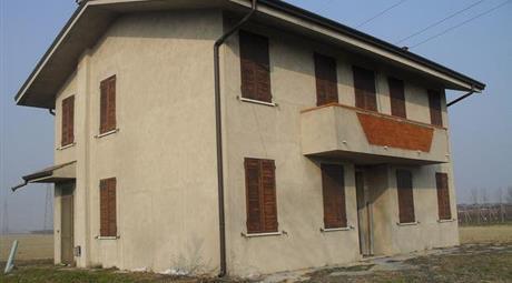 Casa rurale di campagna in vendita a Castelnovo Bariano