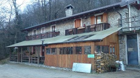 Azienda agricola in Vendita in Località Dossa, 180, a Cosio Valtellino