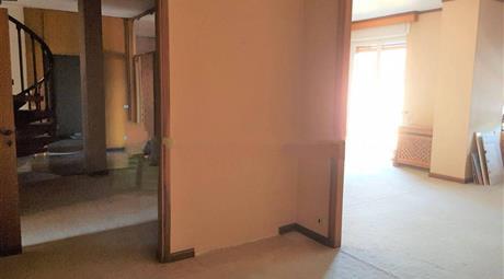 Appartamento da ristrutturare, quarto piano, Casale Monferrato