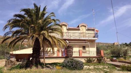 Casa indipendente in affitto in contrada manca di zorba  Enna