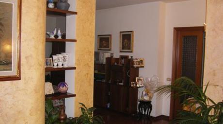 Scambio-Vendo ampio appartamento più garage