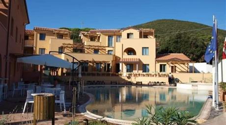 Appartamento nuovo con piscina