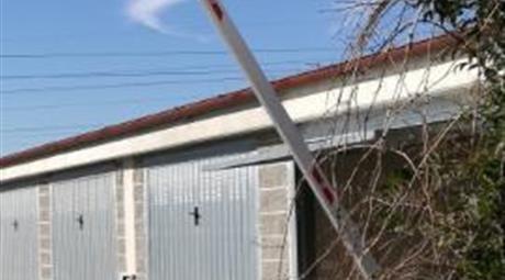 Affitto di garage in via Aldo Moro, 128