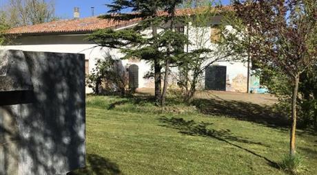 Albergo in Vendita in Strada Gianola 19 a Castel Boglione € 290.000