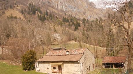 Rustico / Casale, da ristrutturare, 170 mq, Castione Della Presolana