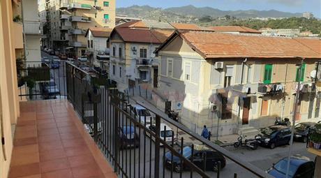 Trilocale via Palermo 245, Messina