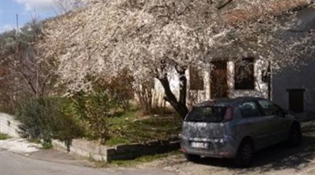 Casa con terreno - Strada Provinciale Bivio Calise--Cesine, Molinara