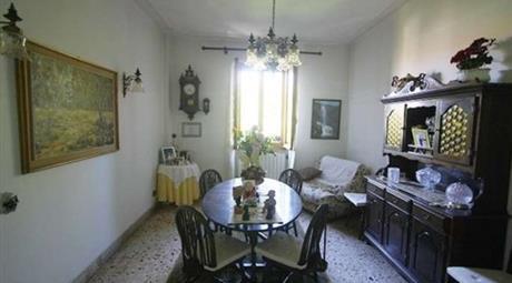 Appartamento in Vendita in Viale Roma 24 a Abbadia San Salvatore