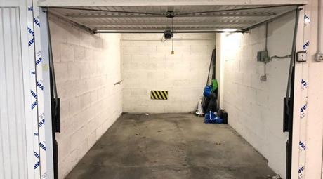 Garage in vendita in via Girolamo Nisio, 57 Gemelli, Roma