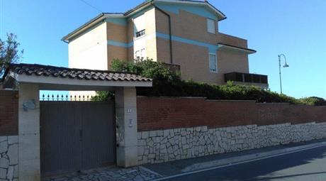Villa in Vendita a Anzio € 600.000