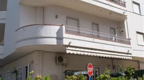 Trilocale in Vendita in Via della Campana 14 a Furnari € 100.000